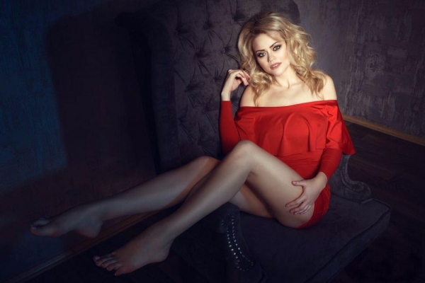 Svetlana 29 years old Ukraine Mariupol (id: 123643)