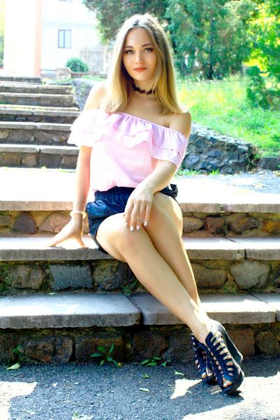 Alina 20 years old Ukraine Nikolaev (id: 246766)