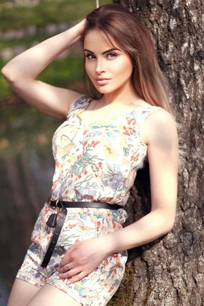Elena 26 years old Ukraine Cherkassy (id: 290890)