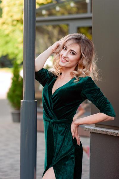 Viktoriya 24 years old Ukraine Cherkassy (id: 291222)