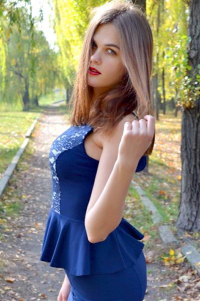 Mariya 22 years old Ukraine Kremenchug (id: 291658)