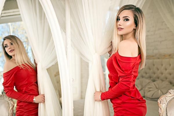 Svetlana 22 years old Ukraine Kiev (ID: 301646)