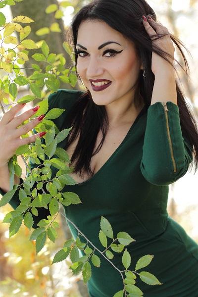 Alina 23 years old Ukraine Kremenchug (ID: 302304)