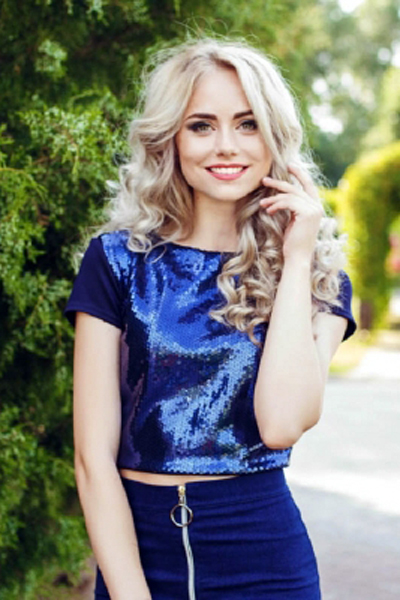 Ekaterina 23 years old Ukraine Dnepropetrovsk (ID: 304438)