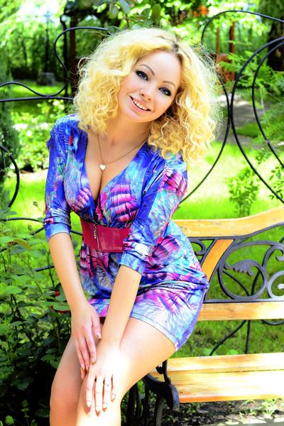 Yuliya 27 years old Ukraine Kirovograd (ID: 304508)