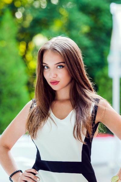 Yuliya 20 years old Ukraine Kherson (ID: 309508)