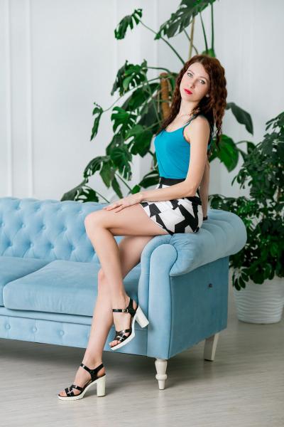 Oksana 27 years old Ukraine Zaporozhye (ID: 309606)