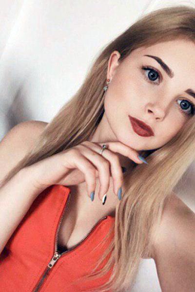 Elena 19 years old Ukraine Zaporozhye (ID: 317058)