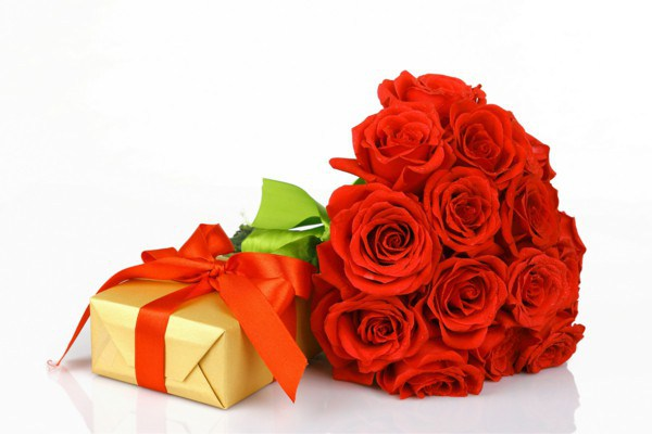 valentine-s-day-gift-romantic-red-flowers